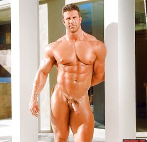 Pictures of naked male bodybuilders
